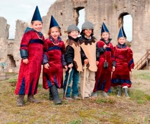 Sommerprogramm für Kinder auf der Burgruine und in der Samtgrotte