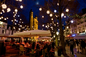 Stimmungsvolle Lichterpfade führen durch Maastricht © Johannes Timmermans